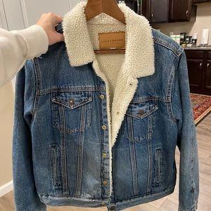 Lucky brand xl Sherpa Jean Jacket lined cozy denim